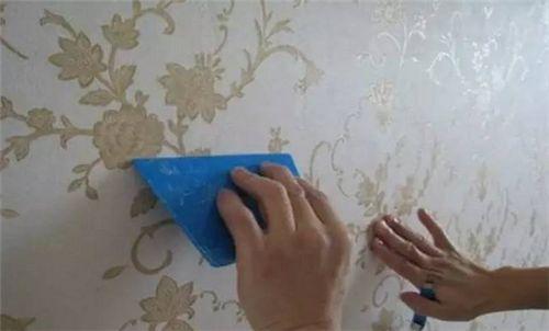 翘起的墙纸如何修复?