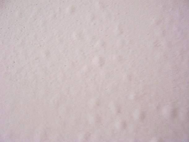 为什么会出现墙纸起泡?