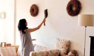 墙纸上的污渍怎么清除掉?
