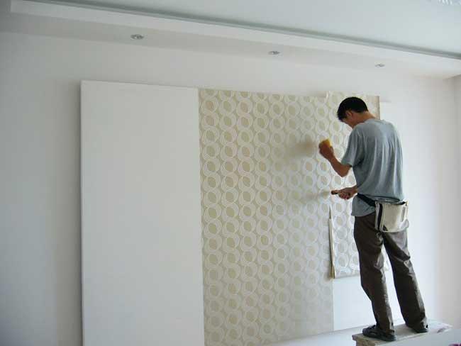 贴墙纸应该从什么地方开始贴?