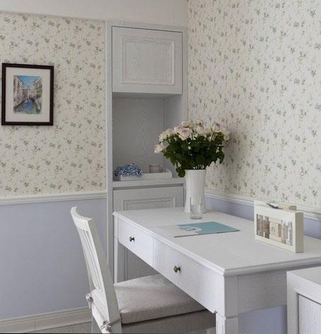 巧用油漆和墙纸搭配个性空间风格