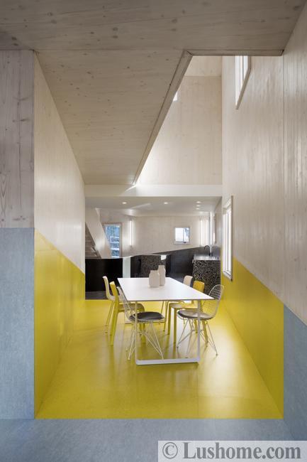 利用深色和浅色壁纸改变房间的视觉尺寸