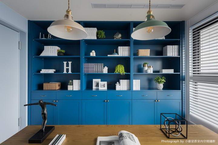 【墙纸装修案例】灰蓝粉蓝墙布集合,营造层次百出的英式蓝调插图(15)
