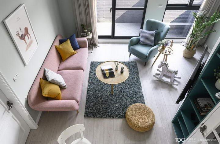【装修案例效果图】墙布撞色搭配设计,让家里变好看插图(2)