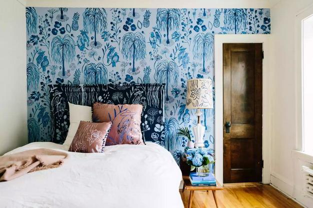 迷人蓝色树木墙纸